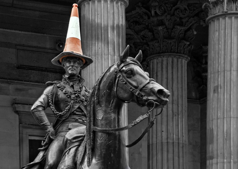 duke_of_wellington_traffic_cone_glasgow.jpg.jpg.jpg.d2939ac84be12b245a4df4853e0e42d1.jpg